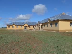 Die beiden neuen Dormitorien für die Schüler der Sekundarschule in Emboreet
