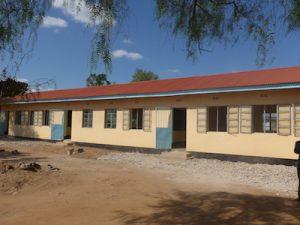 Renovierte Klassenräume der Grundschule in Emboreet